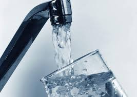 drinkiing water