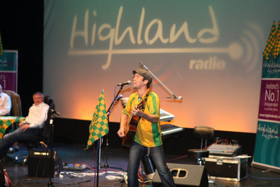 Rory Gallagher on Stage at the Highland Radio Show. 2409bd407