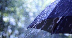 RainUmbrellaDropsSHUTTERSTOCKNov2014