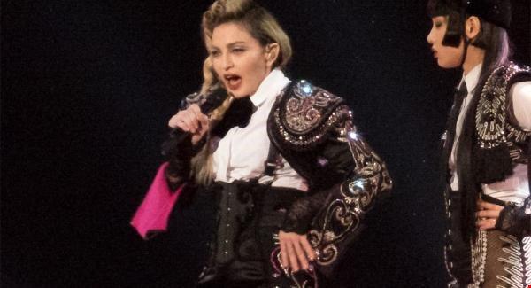 Madonna sex book online in Brisbane
