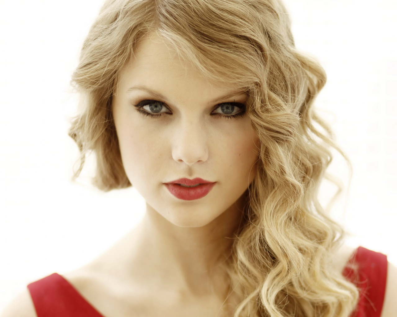 Taylor Swift Announces Croke Park Gig