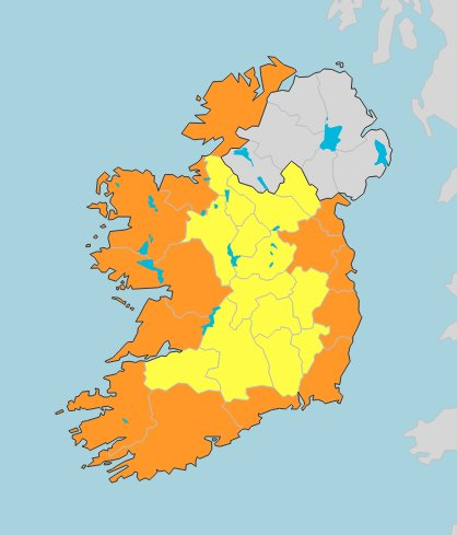 Orange warning ahead of strong winds and high tides