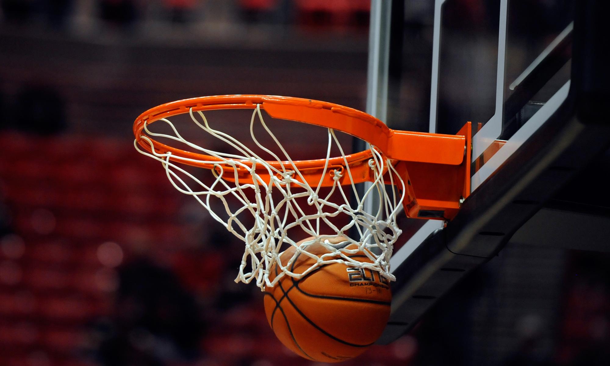 RWA Sportswear - Basketball | Lifetime 71524 XL Adjustable Portable Basketball System